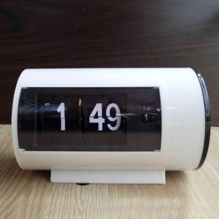 """Часы """"Перекидные"""" с будильником белые"""
